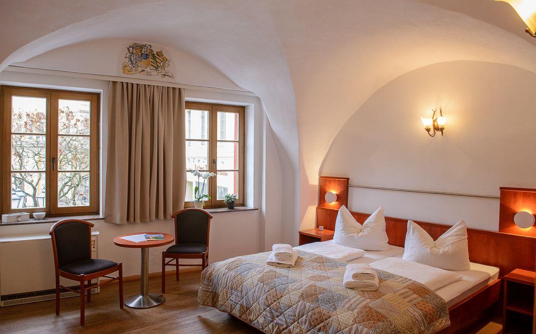 Doppelzimmer – Terrassenblick - bautzen-pension-zimmer-002-2.jpg