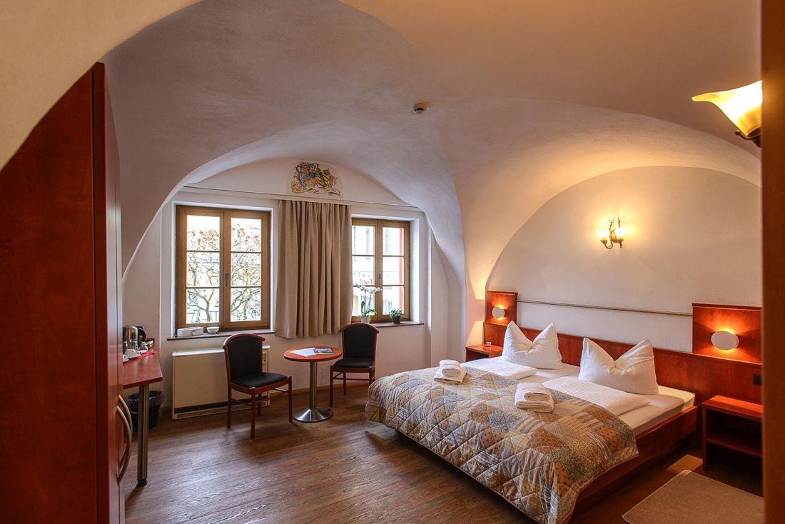 Doppelzimmer Domblick - bautzen-pension-zimmer-003-2.jpg