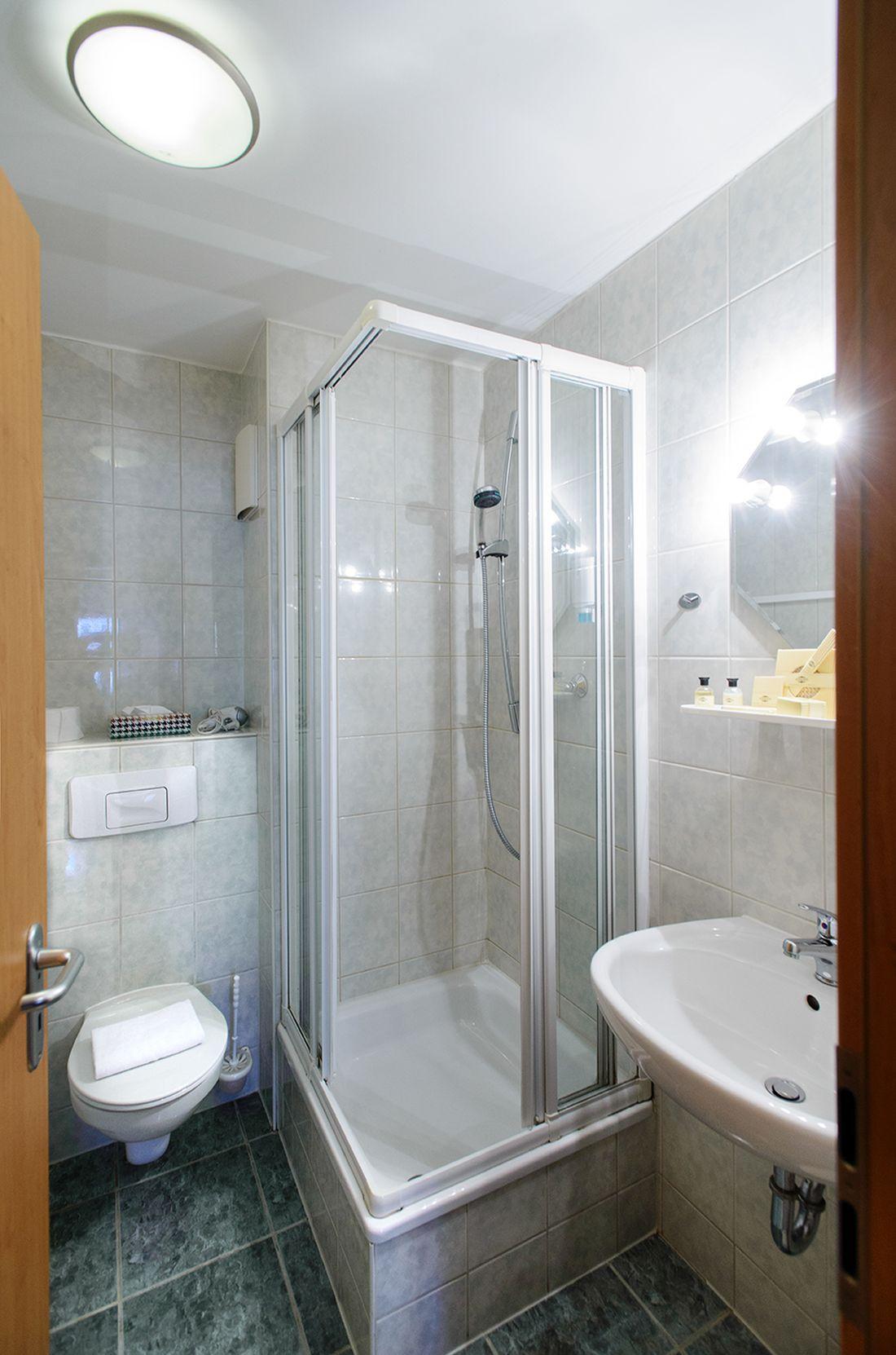 Doppelzimmer – Marktblick - bautzen-pension-zimmer-005-1.jpg